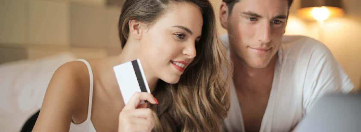 Quais são as melhores estratégias para vender cosméticos online?